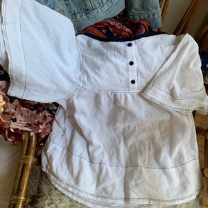 Levi's white flowy top w black accents worn once